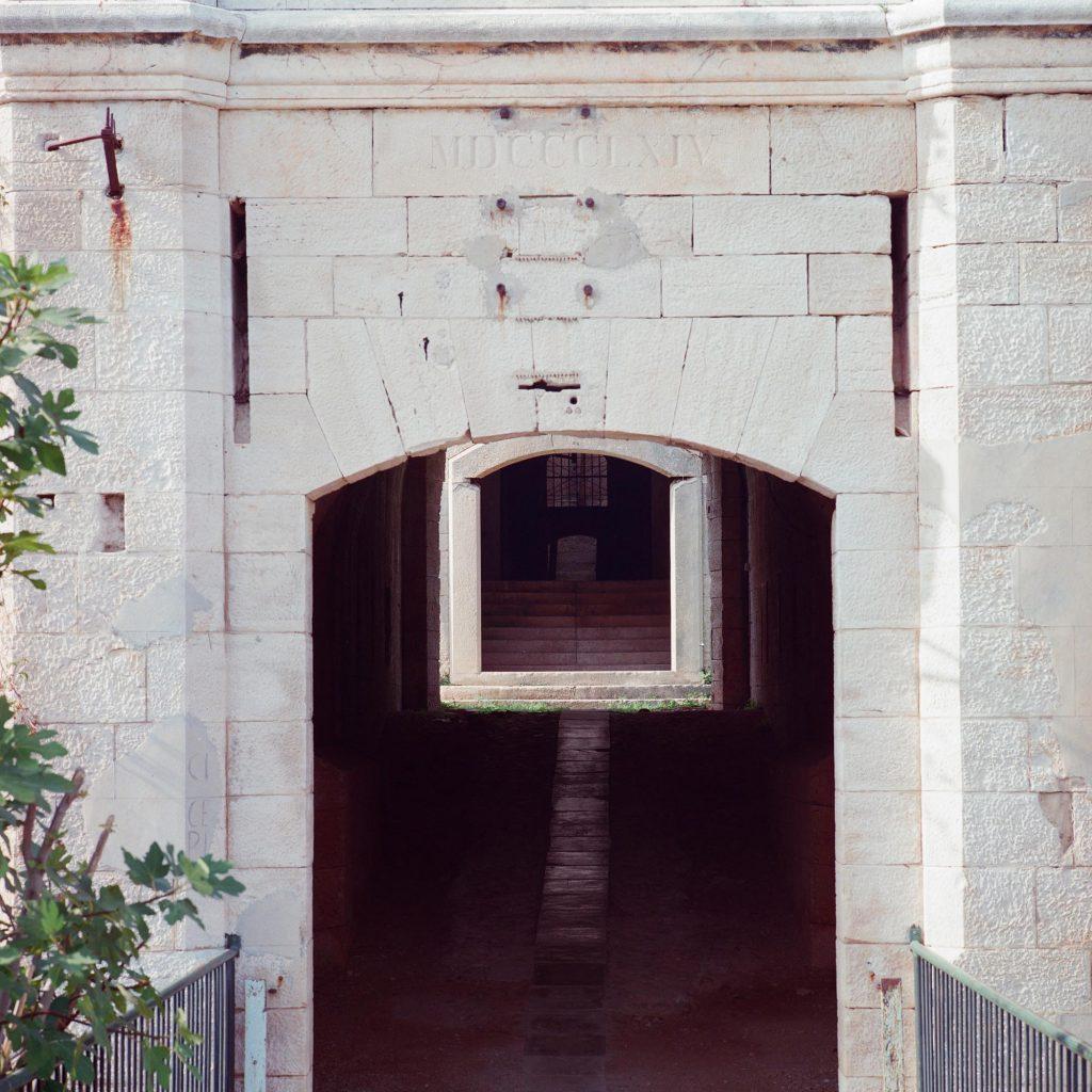 MDCCCLXIV, Brijuni, 1993
