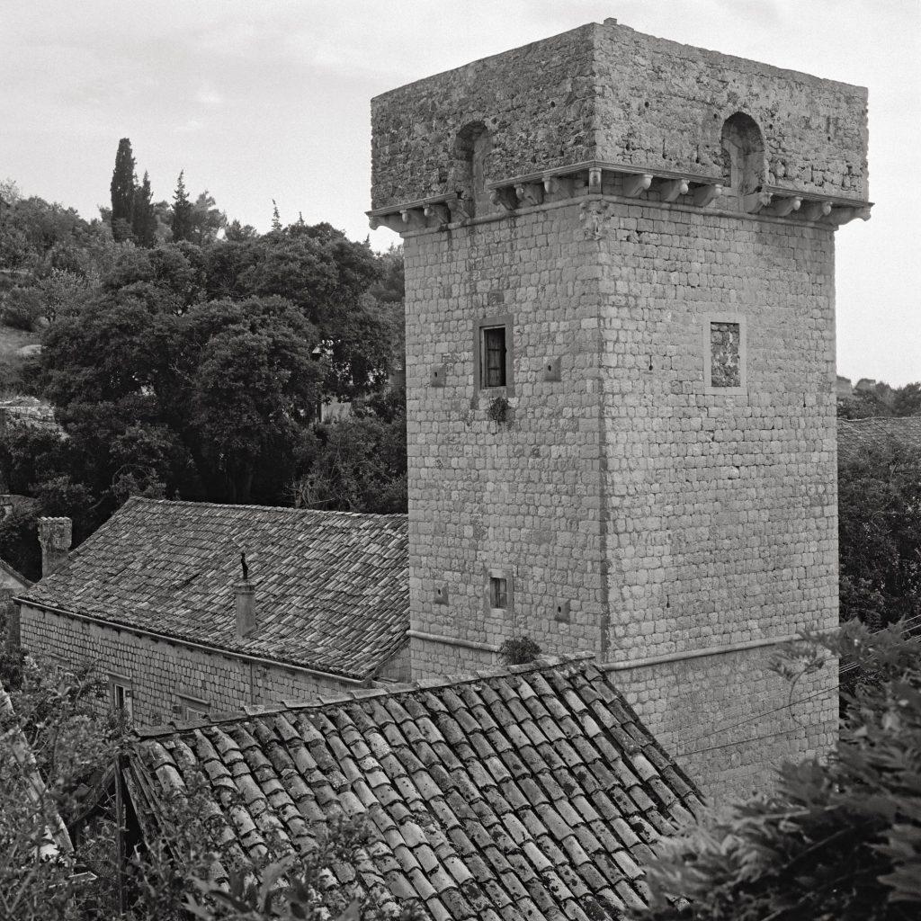 Suđurađ (Šipan), the villa of Vice Stjepović Skočibuha, the tower (1577)